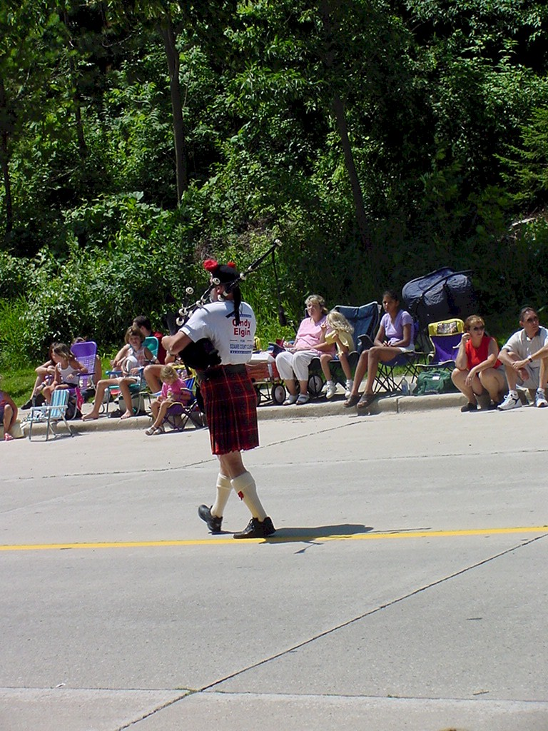 2002 Fish Day Parade